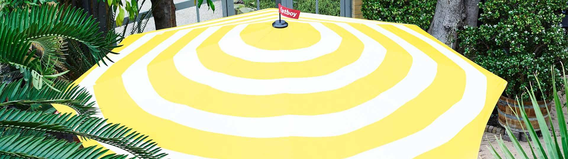Fatboy Stripesol sonnenschirm in gelb weiß gestreift